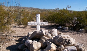 Grave on Old Ore Road