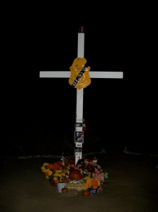 Rosas Memorial Cross at night