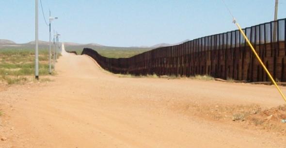 Naco 4- border road